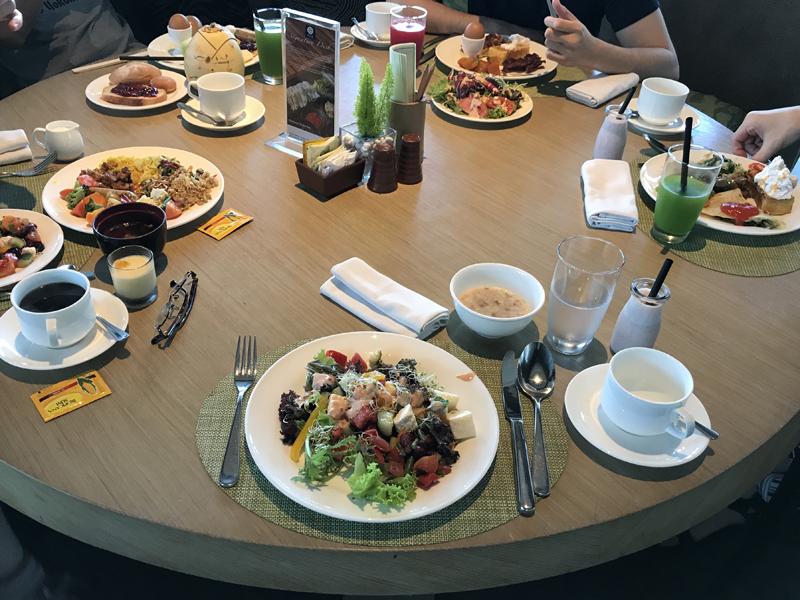 アヤナリゾートリンバホテルの朝食ブッフェ