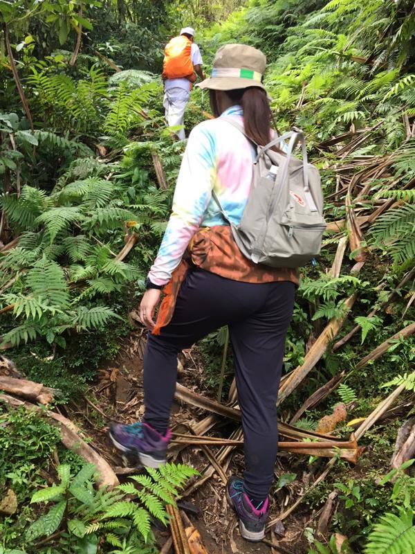 ランプヤン山をトレッキング中