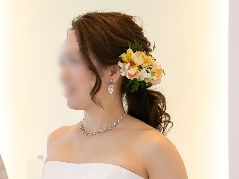 ウェディングドレスの結婚式ヘアスタイル
