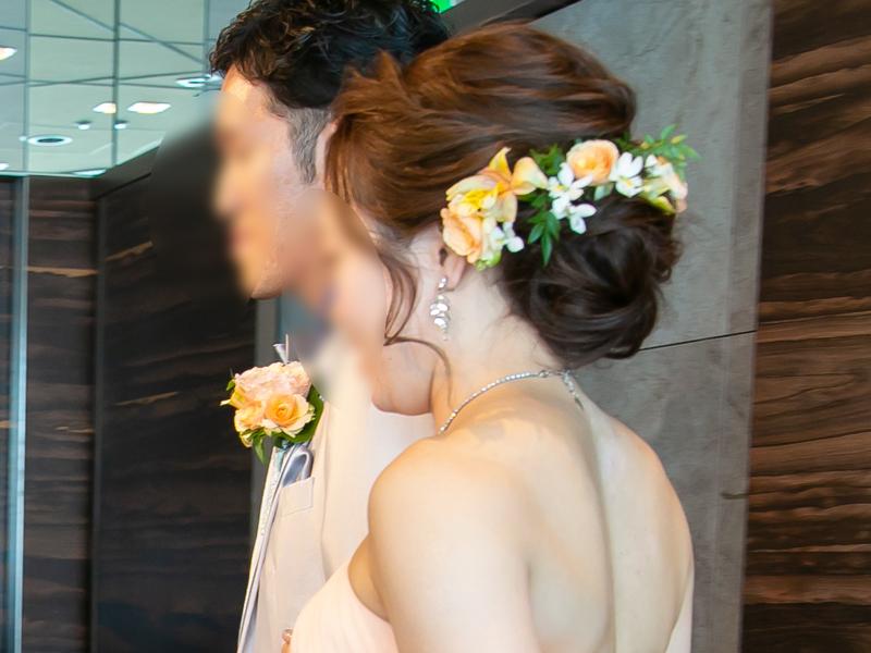 カラードレスの結婚式ヘアスタイル