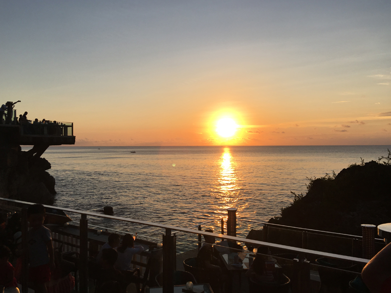 ロックバーから見える夕日