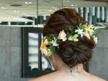 私の結婚式ヘアスタイル♪セミロングの花嫁髪型・生花のヘッドピースを使いました