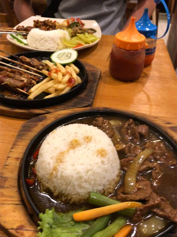 モルバリギャレリアで食べたインドネシア料理