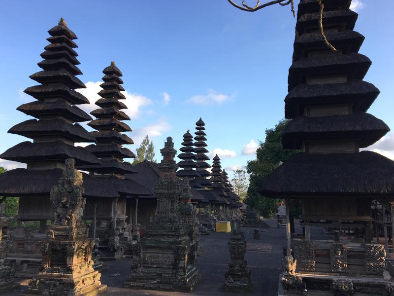 タマンアユン寺院の塔