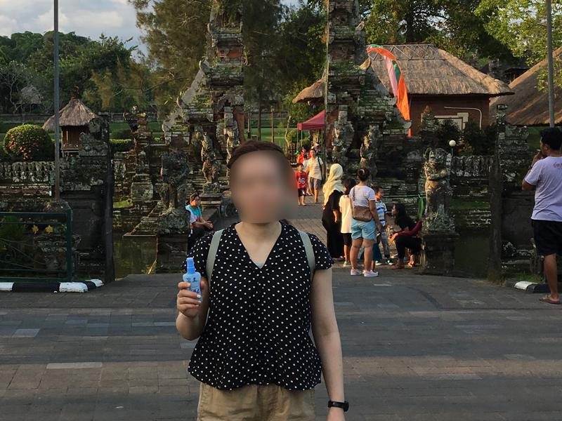 タマンアユン寺院で虫よけスプレー