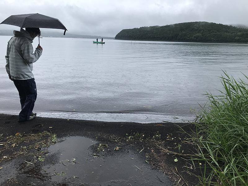 大雨の山中湖