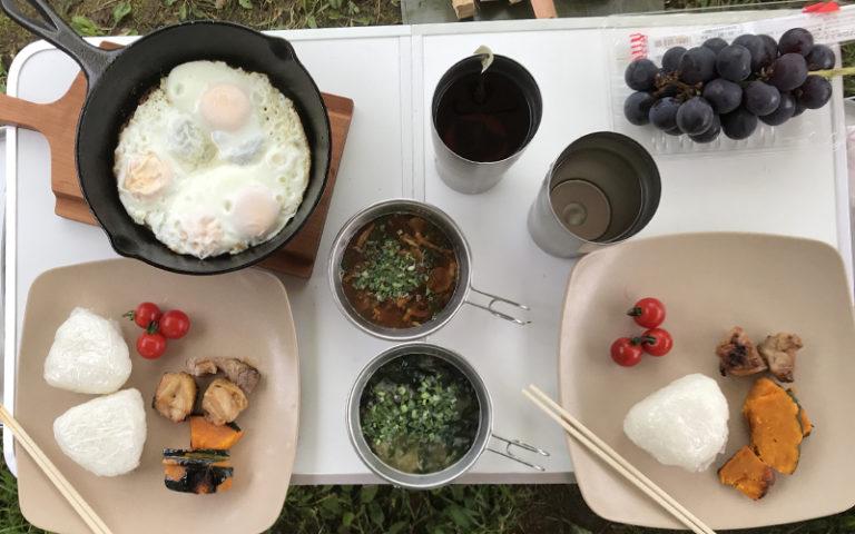 キャンプの和食朝食