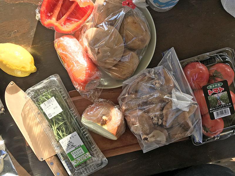 丸鶏のローストチキンに入れる野菜