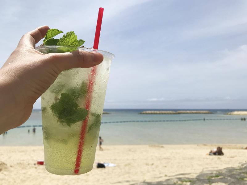 美浜サンセットビーチで飲むモヒート