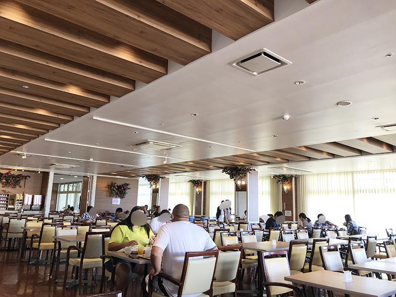 ベッセルホテルカンパーナ沖縄の朝食ブッフェの会場