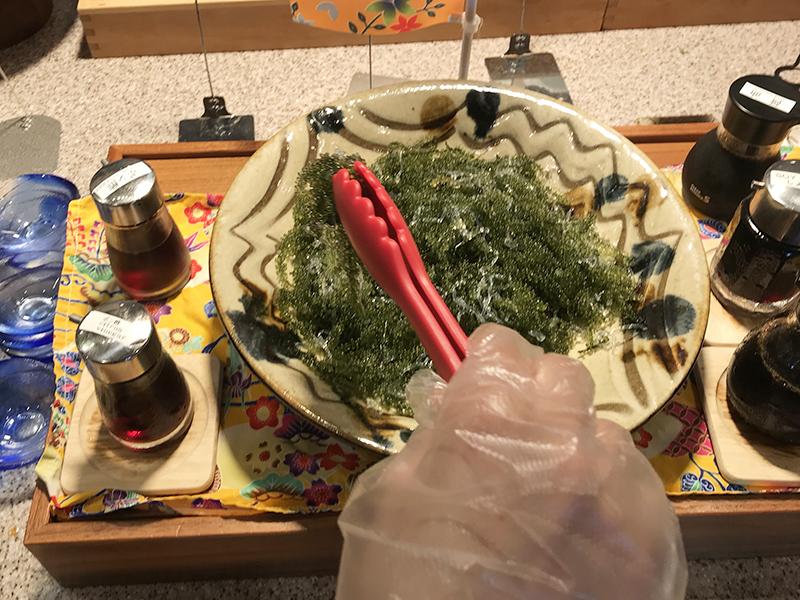 ベッセルホテルカンパーナ沖縄の朝食ブッフェの海ぶどう