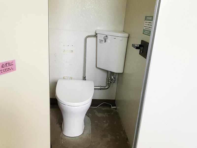 駒出池キャンプ場のトイレ